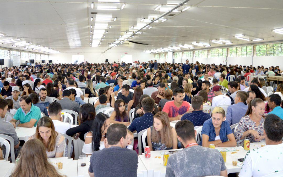 Mais de duas mil pessoas participam de Bingo do Trabalhador